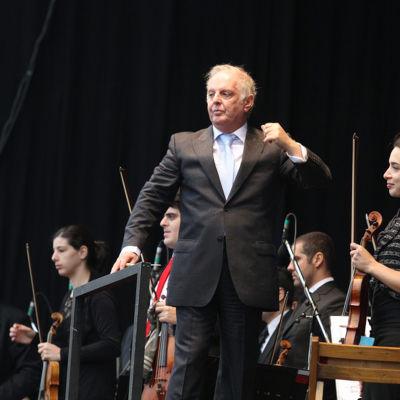 Daniel Barenboim dirigerar 2014