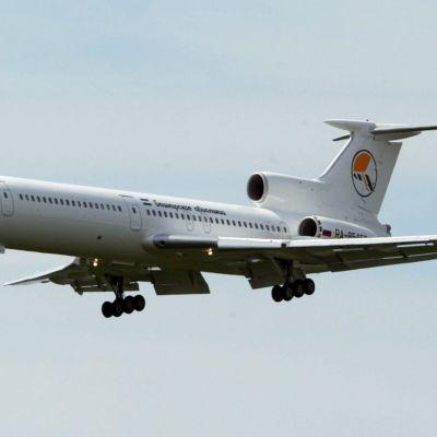 Ett Tu-154 militärplan. (foto från 2002)