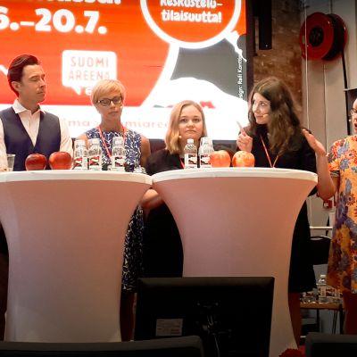 Sote-valiokunta väitteli terveydenhuollon tulevaisuudesta SuomiAreenassa.