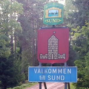 Kommunskylt i Sund, Åland.