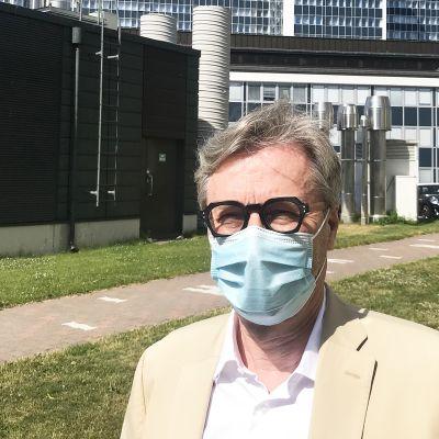 HUSin johtajaylilääkäri Markku Mäkijärvi