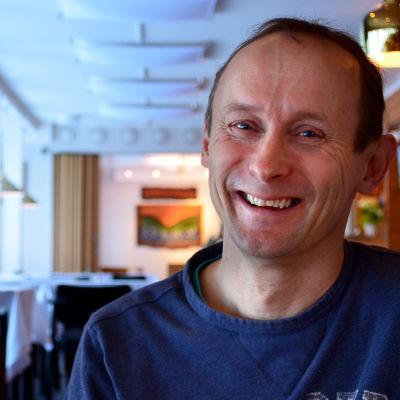 Heikki Nikula ravintola Aanarin salissa