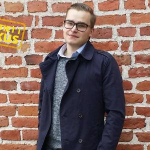 Samuel Wiklund från Samlingspartiets ungdomsförbund.