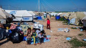 Biståndsorganisationerna gör sig nu redo för en ny väldig flyktingström när offensiven mot Mosul inleds.
