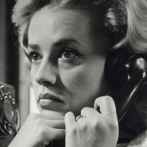 Jeanne Moreau elokuvassa Hissillä mestauslavalle.