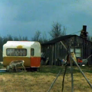 Näkymä talon pihalle Inarissa (1980-luku)