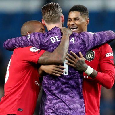 Manchester United firar efter seger.