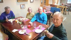 Frukostgäng i Feed Mills diner