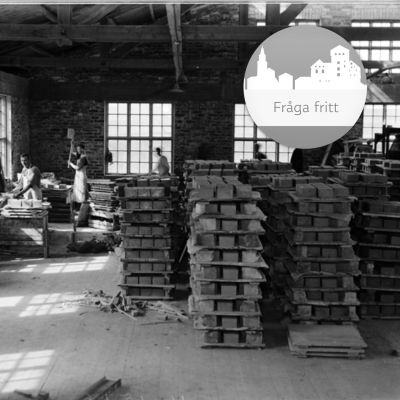 Kupittaan savi - människor som jobbar inne i lerfabriken