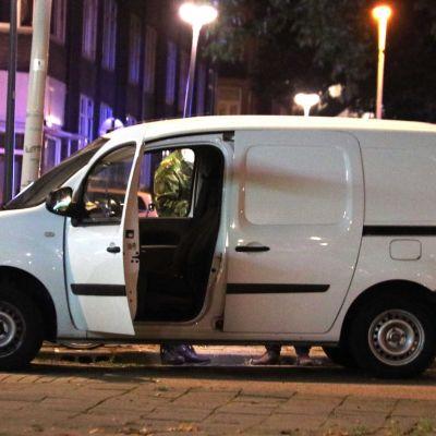 Kaasukanistereita sisältänyt pakettiauto Rotterdamissa.