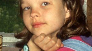 Salla Simukka lapsena.