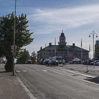 Rådhuset sett från linden på Rådhusgatan