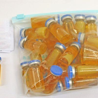 Tullin takavarikoimia doping-ampulleja.