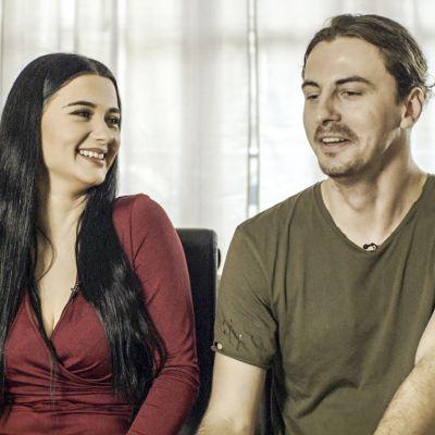 Tanskalaisessa dokumentissa kaksi pariskuntaa yrittää puhu vuorokauden totta