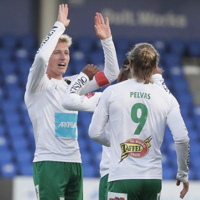 IFK Mariehamn jublar.