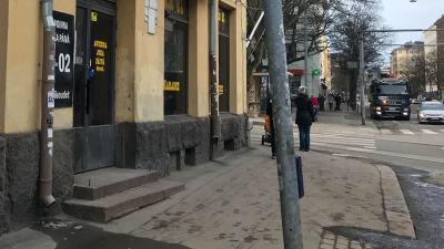 Bar 21 på Helsingegatan i Helsingfors, exteriör från gatan.