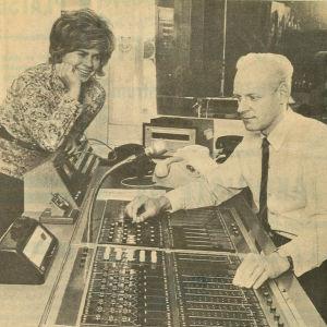 Gia Mellin och Stig Malmberg i Borgåstudion, Borgåbladet 30.9.1971.