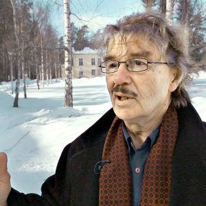 Seksuaalista väkivaltaa, raippoja ja eristysrangaistuksia. Suomen koulukotien vaiettua historiaa.