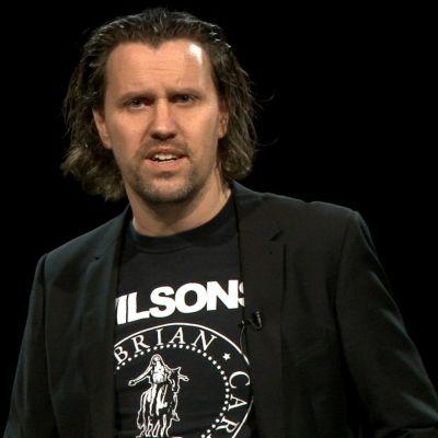 Henrik Sköld, specialist på sociala medier
