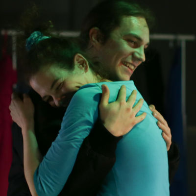 Kaisa El Ramly och Olli Haataja som Samira och pojkvännen Piter.