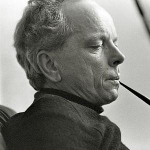 Kirjailija Veijo Meri kotonaan vuonna 1977