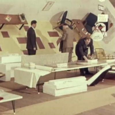 Huonekaluja esillä messuilla 1960