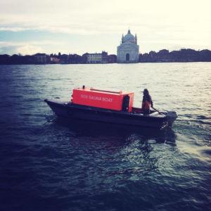 Venetsiassa rakensimme venesaunan.