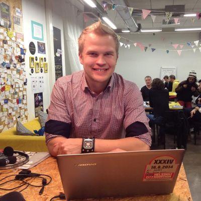 Jaan Siitonen, studerar politologi och driver föreningen Komin rf.