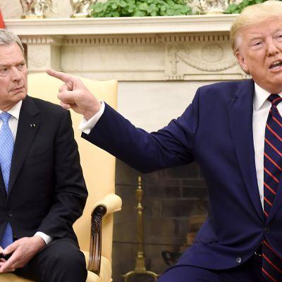 Sauli Niinistö ja Donald Trump tiedotustilaisuudessa Valkoisessa talossa keskiviikkona.