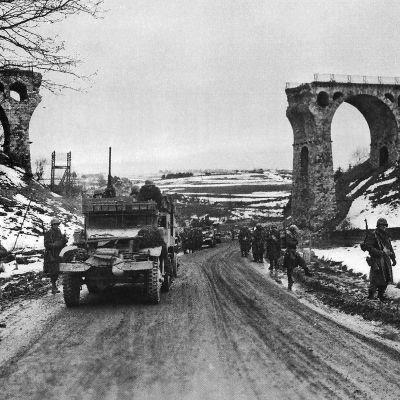Yhdysvaltain 1.jalkaväkidivisoona saapuu Butgenbachiin