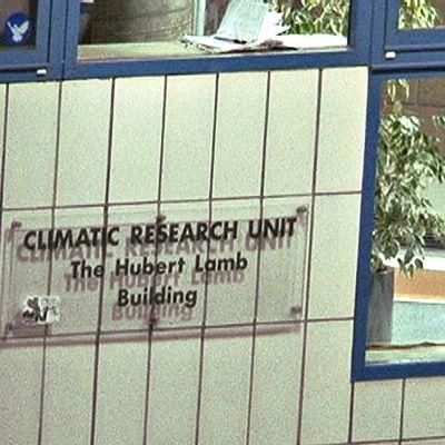 Kuva MOTin jaksosta Ilmastogate, East Anglian yliopiston ilmastontutkimuksen laitos CRU
