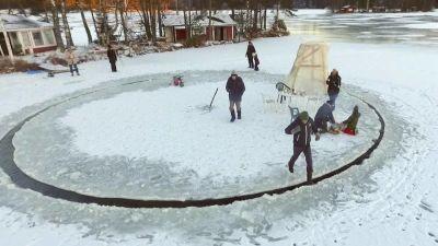 Spelare fros fast i isen