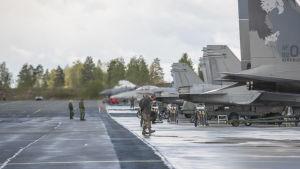 Finlands och USA:s militärplan i Kuopio i maj.
