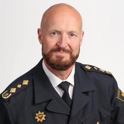 Pasi Ryynänen - som är enhetschef för räddningsväsendet och nödcentralsverksamheten vid Inrikesministeriets räddningsavdelning