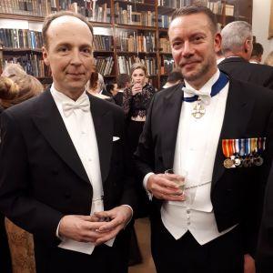 Jussi Halla-aho och Stefan Wallin på slottsbalen.