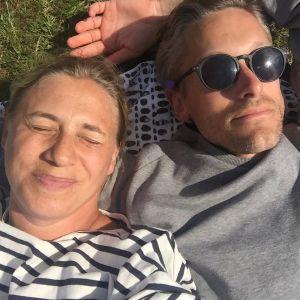 Barnläkaren Lina Schollin Asks och Martin Asks dotter Ingrid dog som 1,5 åring i plötslig spädbarnsdöd.