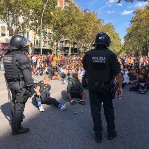 Opiskelijat osoittivat mieltään Barcelonassa 16. lokakuuta.