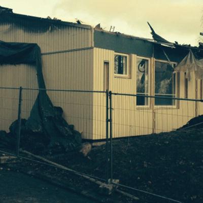 skolpaviljong brann ned i Esbo