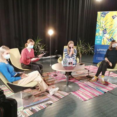Littfest-tapahtumassa nuoret toteuttavat kirjailijahaastatteluja, jotka Yle välittää suorana lähetyksenä