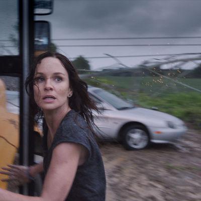 Sarah Wayne Callies i filmen Into the storm.