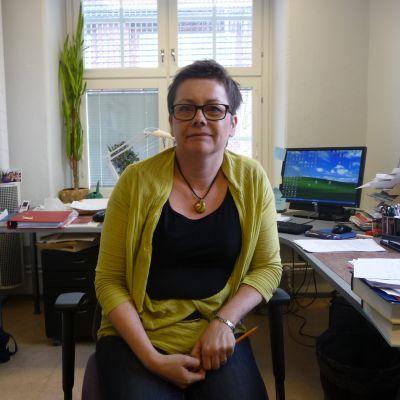 Gun-Viol Vik-Tuovinen, universitetslektor i modern finska och översättning.