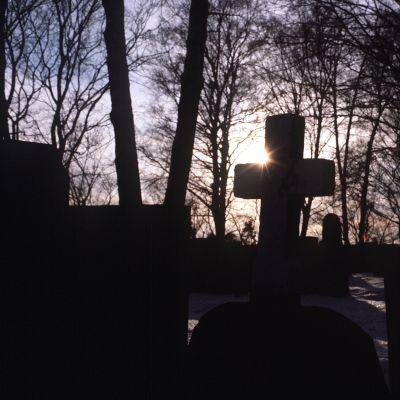kors på gravgård