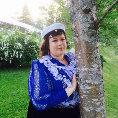 Rosita Mäntyniemi on ylioppilas ja ylpeä siitä.