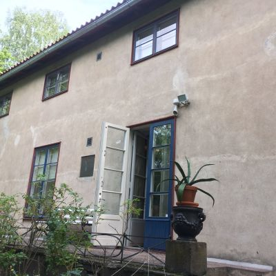 Fasaden på konstnärshemmet Casa Haartman.