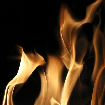 tulenliekkejä