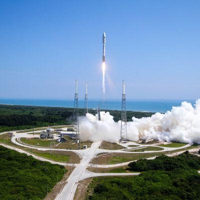 Yhdysvaltain ilmavoimat laukaisevat raketin  2015.
