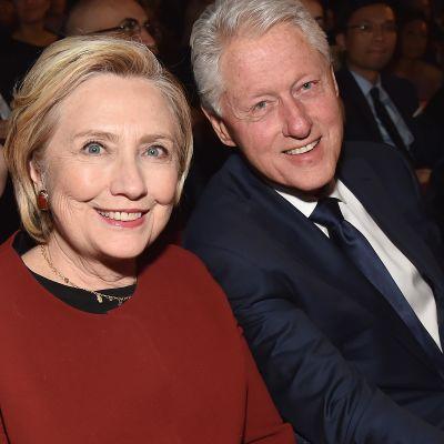 Hillary ja Bill Clinton musiikkigaalassa New Yorkissa tammikuussa.