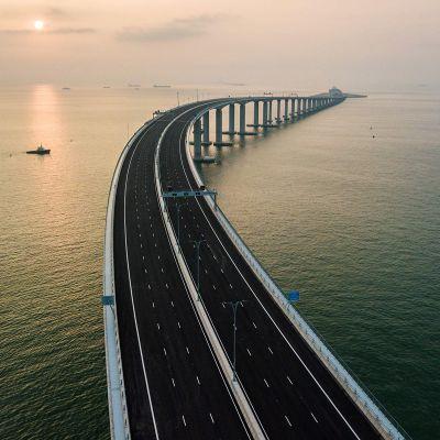 55 kilometriä pitkä silta sitoo toisiinsa Hongkongin ja Macaon