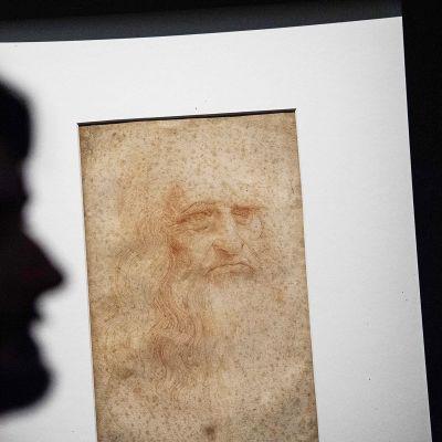 Leonardo da Vincin omakuva esillä näyttelyssä Torinossa.