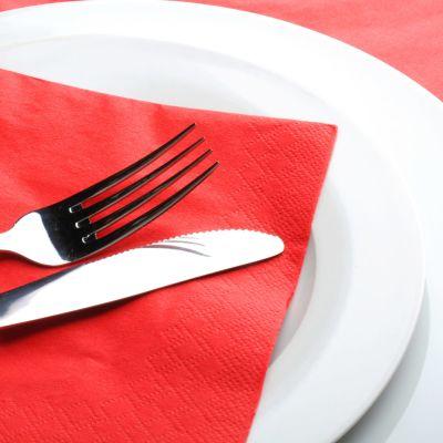 Tallrik med gaffel och kniv